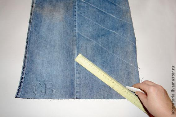Брошь-цветок из старых джинсов