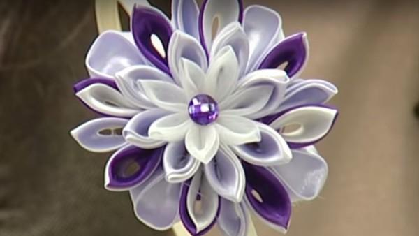 Ободок с цветком в технике канзаши