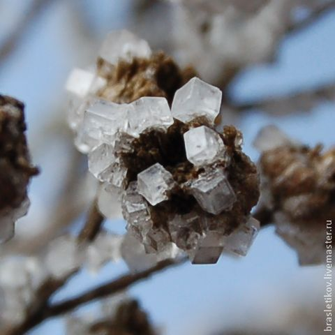 Кристаллы на природном материале